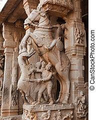 Statues in Hindu temple. Sri Ranganathaswamy Temple. Tiruchirappalli (Trichy), Tamil Nadu, India