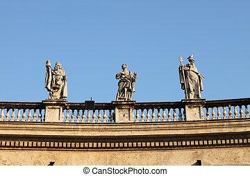 Statues in Saint Peter Basilica