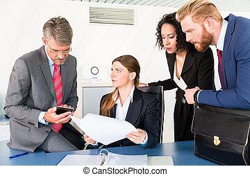 statut, discuter, contrat, équipe