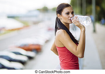 Staying hydrated while doing sports
