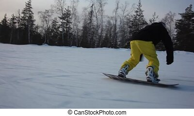 STEADYCAM: Snowboarder riding