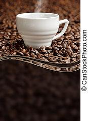steaming kopp, fond, av, kaffe böna, med, avskrift tomrum
