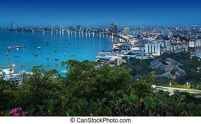 stedelijke skyline, strand, baai, thailand., pattaya stad