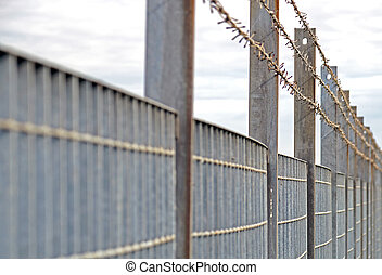 Steel anti entry fence with sharp spikes