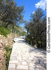 Steep Sloped Country Walkway - Image of a steep sloped ...