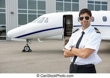 stehende , düse, arme, privat, gekreuzt, front, pilot