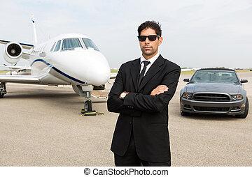 stehende , düse, auto, privat, front, geschäftsmann