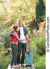 stehende, hölzern, Fußweg, Vater, Herbst, draußen, Kinder, landschaftsbild