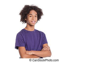 stehende , junge, jugendlich, beibehaltung, freigestellt, arme, teenager., sicher, während, gekreuzt, afrikanisch, lächeln, weißes