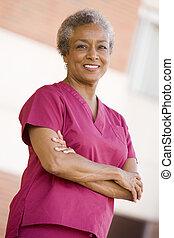 stehende , krankenschwester, klinikum, draußen