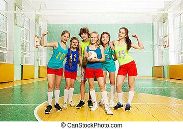 stehende , nach, volleyball, gewinner, zusammen, streichholz