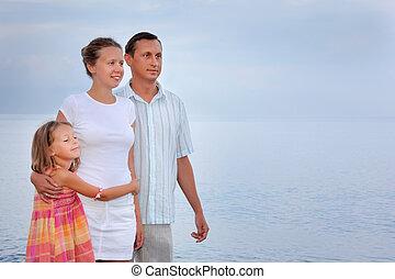 stehende , wenig, abend, familie, m�dchen, sandstrand, glücklich