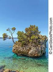 stein, brela, kroatien