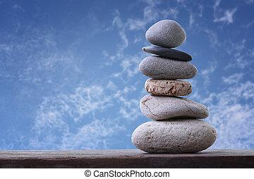 steine, blaues, pyramide, gestapelt, himmelsgewölbe, hintergrund., gleichgewicht