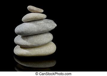 steine, gestapelt, reflexion, freigestellt, schwarzer hintergrund