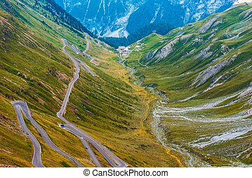 Stelvio Mountain Pass in Italy - Famous Stelvio Mountain ...