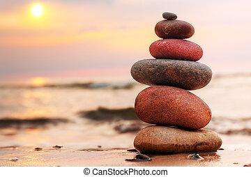stenar, pyramid, på, sand, symbolizing, zen, harmoni, balans