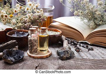 stenen, droog, tafel., oud, achtergrond, wicca, houten, ouderwetse , concept., flessen, mystiek, bloemen, voorwerpen, heks, apotheker, esoterisch, occult, magisch, keukenkruiden, divination
