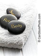 stenen, spa, witte handdoek