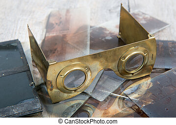 stereoscope in brass with glass plates