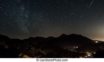 sternennacht, auf, landschaft, zeit, lapse., sternen, einziehen, himmelsgewölbe, mit, milchstraße, galaxie