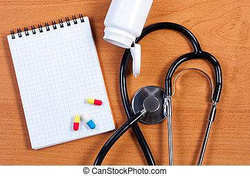 stethoskop, notizblock, und, pillen, auf, tisch., ansicht,...