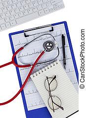 stetoscopio, su, uno, appunti, su, un, isolato, sfondo bianco