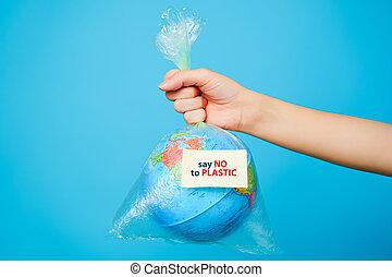 sticker-say, μπλε , γυναίκα , pollution., όχι , εδάφιο , αμπάρι , πλαστικός , πλανήτης , τσάντα , γενική ιδέα , φόντο. , ανάμιξη , γη