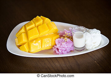 Sticky rice mango with coconut milk.