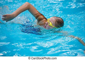 stijl, meisje, zwemmen, jonge, goggles, pet, kruipen ...