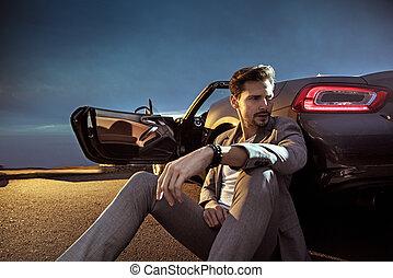stilig, man, benägenhet på, den, luxuös, bil