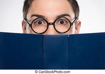 stilig, ung man, se, ahead., attraktiv, manlig, läsning, blå beställ