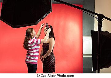 stilist, women., foto, maken, tijdgenoot, jonge, uitrusting, twee, model, fotografisch, beeld, studio.