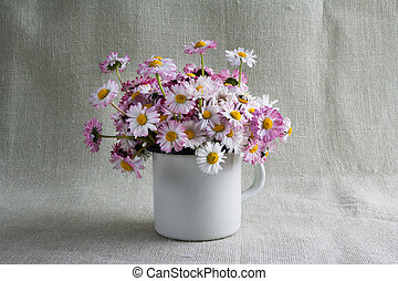Still life bouquet daisies
