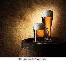 stilleben, av, öl, och, trumma, på, a, gammal, sten