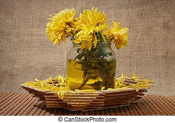 stilleben, mit, gelbe blüten, in, a, blumenvase