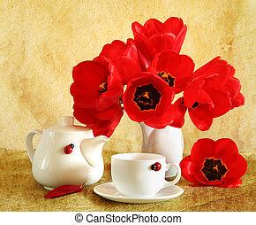 stilleven, met, rood, tulpen
