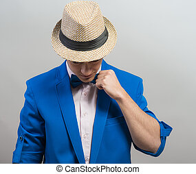 stilvoll, kerl, in, der, hut, blau, jacke, kleidet, papillon