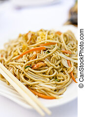 Stir fried chinese noodles