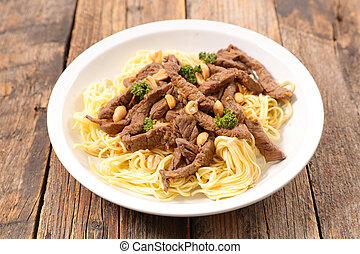 stir fry with noodles and beef