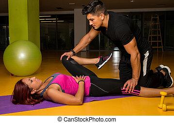 stiramento, lei, atteggiarsi, cliente, terapeuta, aiuta, massaggio