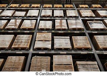 stocké, entrepôt, étagères, boîtes