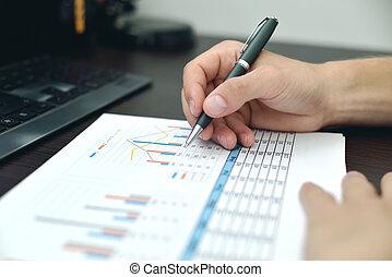 Broker Analyzing At Stock Data