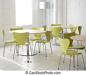 stoelen, tafels