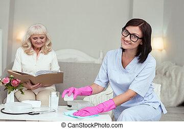 stof, positief, caregiver, vrouwlijk, het verwijderen