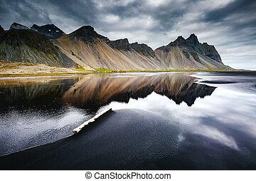stokksnes, sand., iceland., noir, emplacement, mouillé, ...