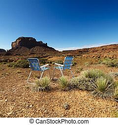 stol, ind, desert.