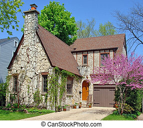 Stone House - Stone house in a peaceful suburban...