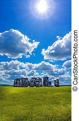 stonehenge, à, ciel dramatique, dans, angleterre