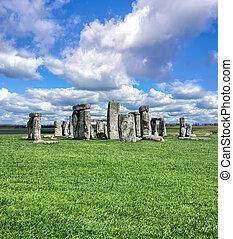 stonehenge, com, céu dramático, em, inglaterra
